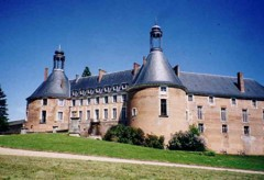 chateau_Saint_fargeau-1.jpg
