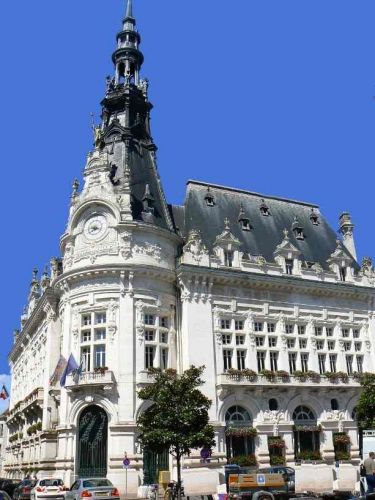 Sens_Hotel_de_ville.jpg